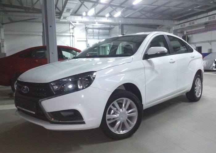 lada-vesta-i-folksvagen-polo-sedan-4