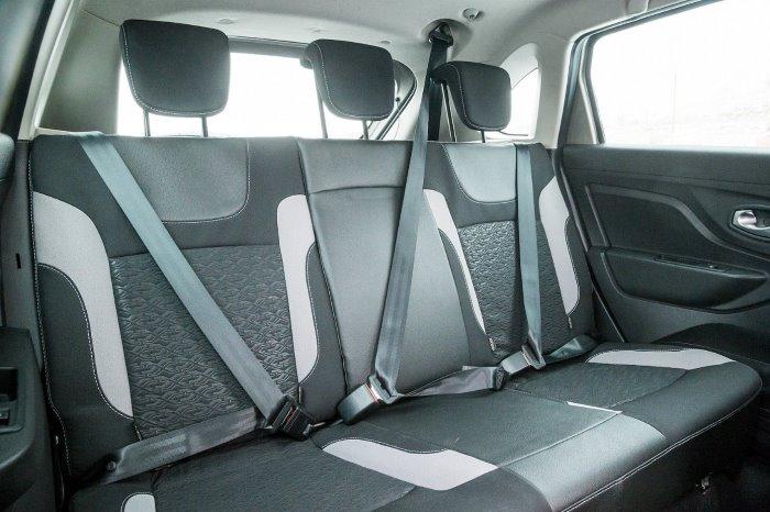 Задние сиденья на Lada X-ray