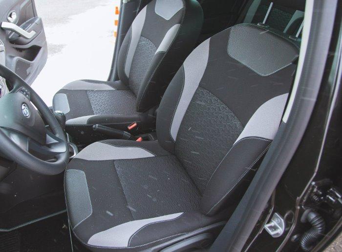 Передние сиденья на Lada X-Ray
