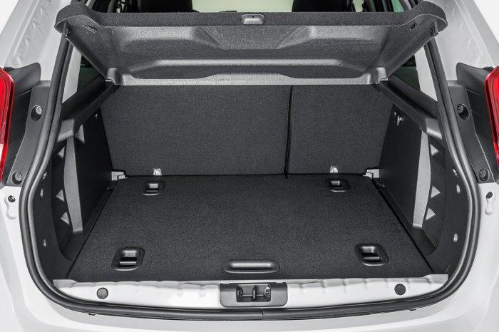 Отделка багажника на Lada Xray