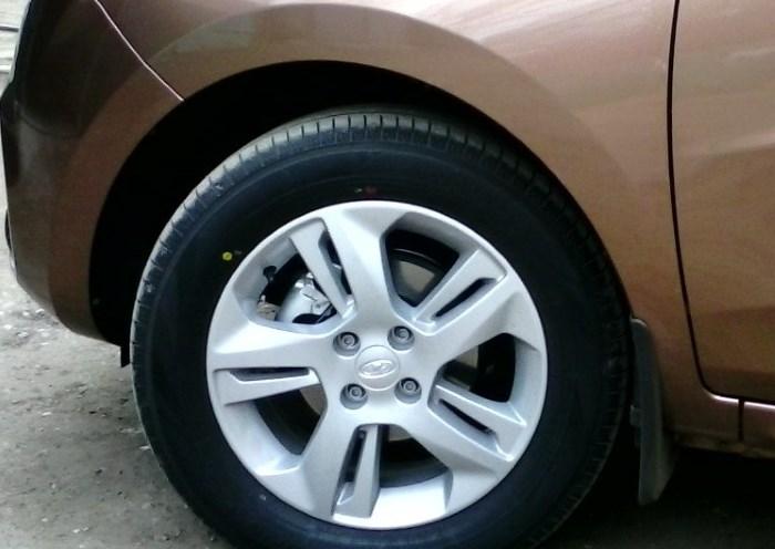 Размеры переднего колеса и диска на Лада Икс Рей
