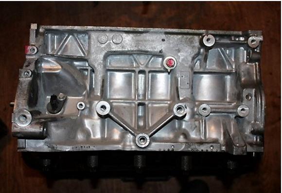 Блок цилиндров HR16DE